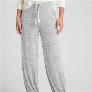 Gap Soft spun wide leg joggers brand new w/o tags